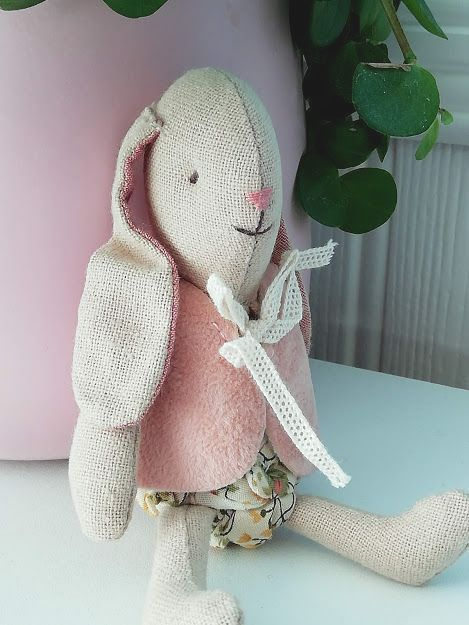 Maileg, Micro bunny in Pink Jacket