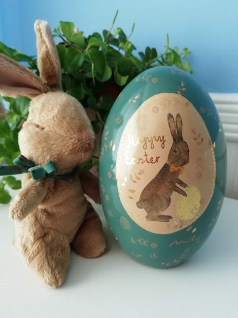Maileg, Easter Bunny w Blue and Gold Metal Easter Egg