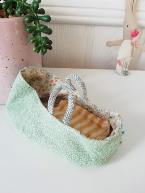 Maileg, Carry Cot, for MY and Baby Mouse- Mint (Light)