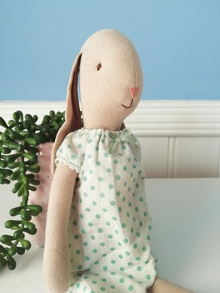 Maileg, Bunny Size 2, Nightgown - Mint