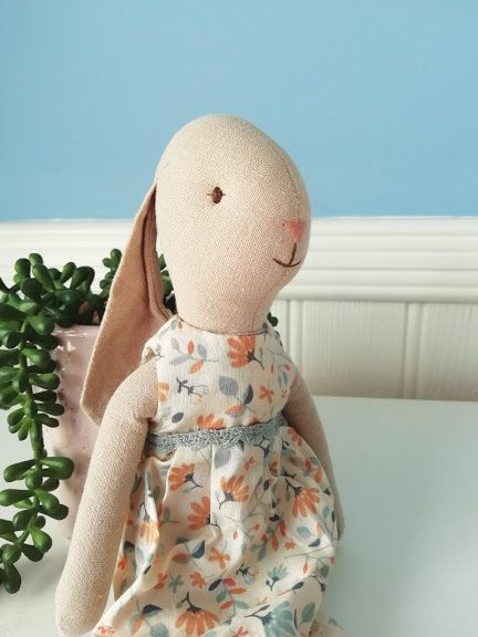 Maileg, Bunny Size 2 in Floral Dress