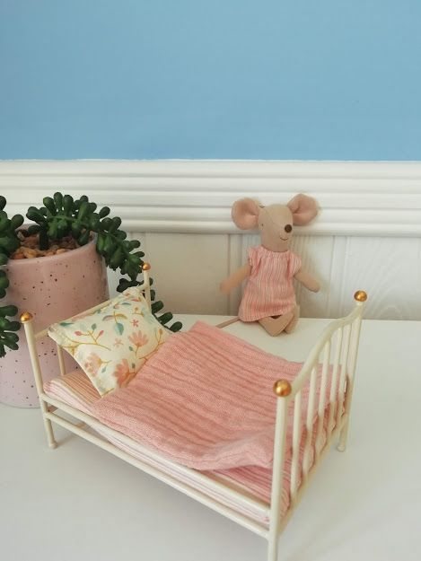 Maileg, Vintage Bed, Size Mouse - Off White