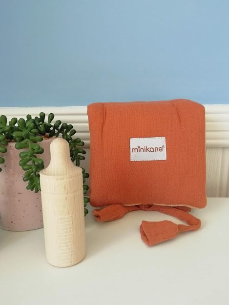 Minikane, Baby Changing Mat and Bottle set (brick)