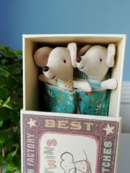 Maileg, Baby Mice, Twins in a box (petrol blanket)