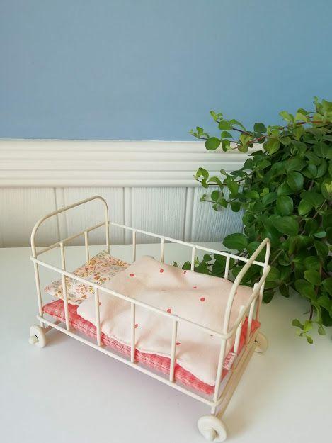 Maileg, Micro Metal Cot  (Pink Spots)