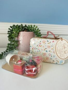 Maileg, Cake Set in Floral Suitcase