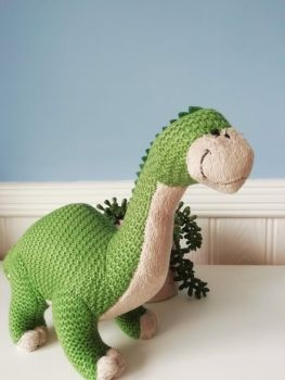 Wilberry, Knitted Brontosaurus