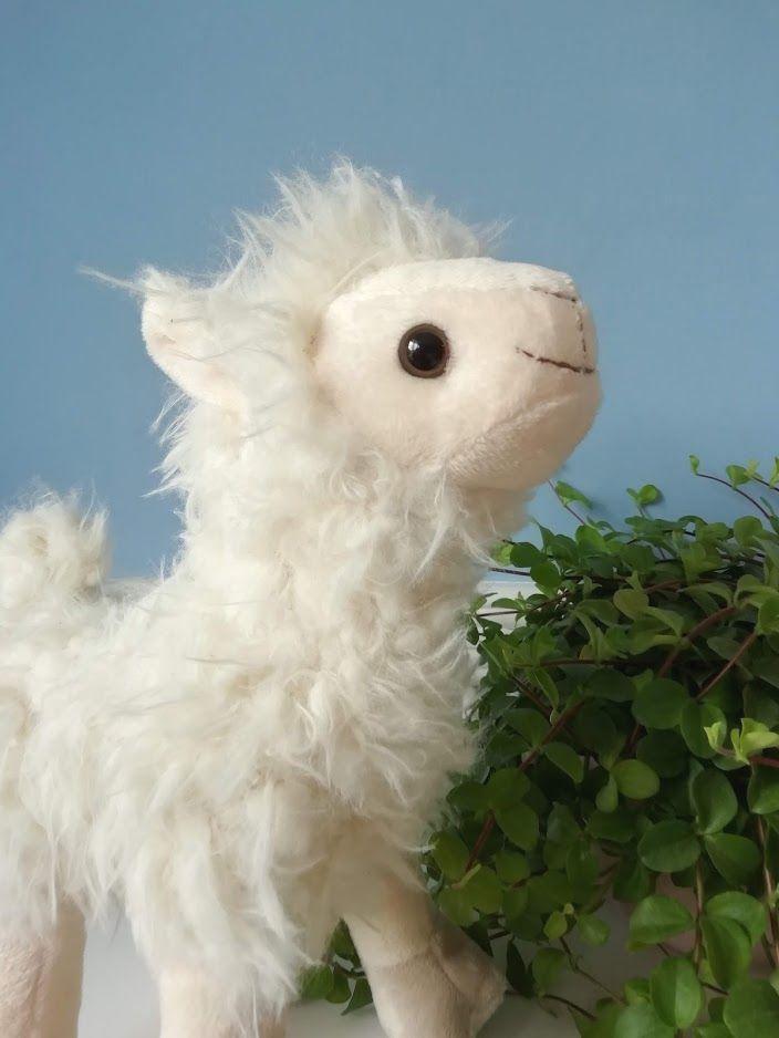 Wilberry, Snuggles Llama