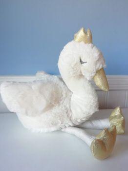 Wilberry, Snuggles Swan