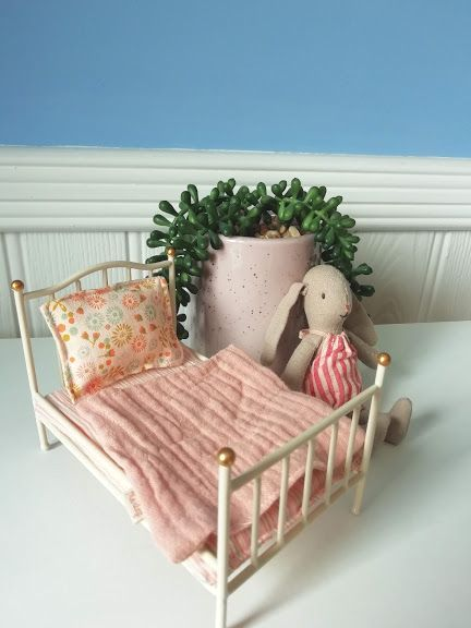 Maileg, Vintage bed, Mouse - Off White