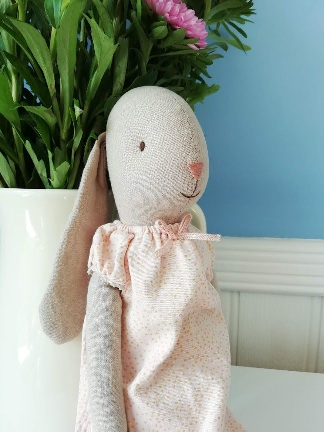 Maileg, Bunny Size 3, in Nightgown