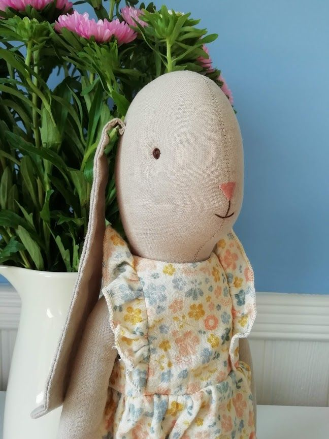 Maileg, Bunny Size 4, Flower Suit