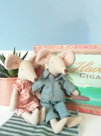 Maileg, Mum and Dad in Cigar Box