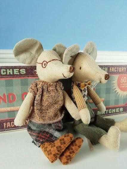 Maileg, Grandma & Grandpa mice in Long Matchbox