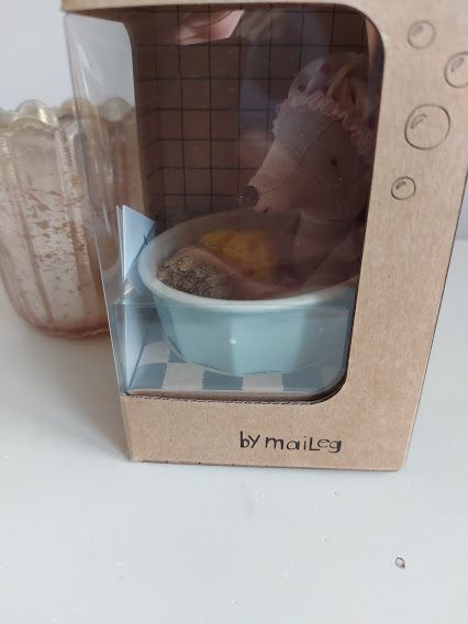 Odds and Ends, Maileg SPA Mouse *CHIP ON BATH*