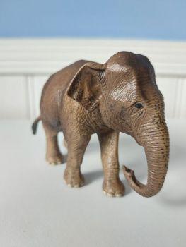 Schleich,  Asian Elephant Female