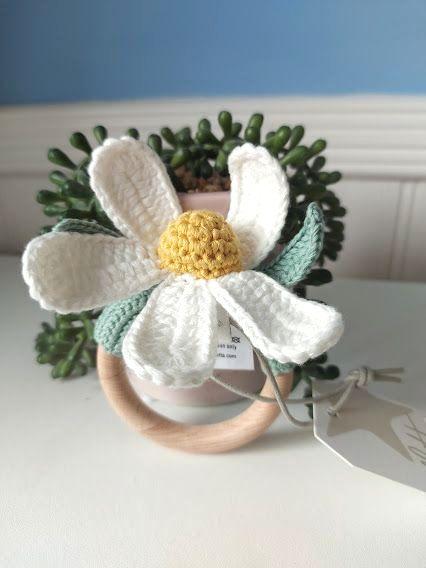 Albetta, Crochet Daisy Ring Rattle
