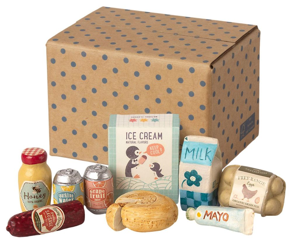 Maileg, Miniature Grocery Box **Due Mid April **