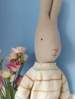 Maileg, Rabbit Size 5 in Pants and Knitted Sweater