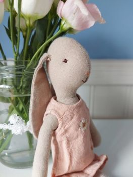 Maileg, Size 1 Bunny in Pink Daisy Dress