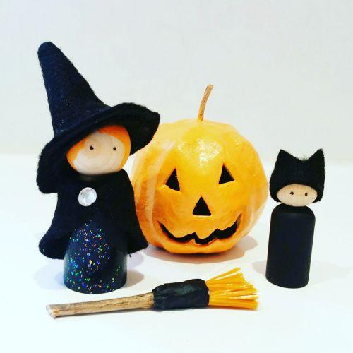 Halloween Peg Doll Set