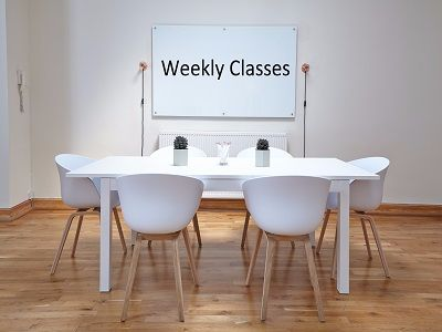 Weekly Classes Classroom 400x300