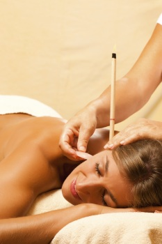 Hopi Ear Candle Treatment (Candle & Facial Massage)