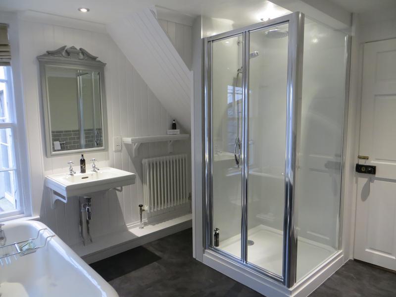 est_bathroom_shower