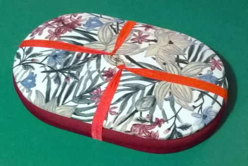 Mini Traveller  135 Oriental Floral / Ruby Beading Tray + Lid