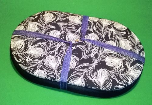 Mini Traveller   139 Navy White Feathers / Blue  Beading Tray + Lid