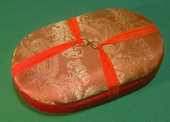 Handy Traveller 142 Bronze Paisley Mix / Red Beading Tray + Lid