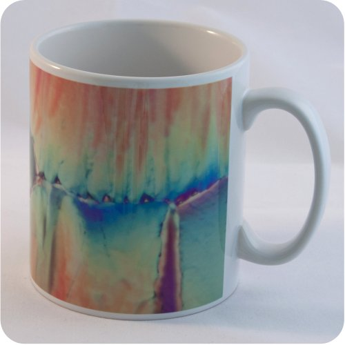 <!-- 00153 -->CITRIC ACID UNDER A POLARISED LIGHT MICROSCOPE MUG (M23)