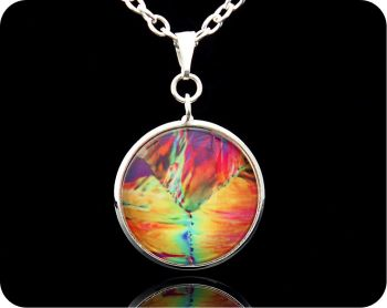 CHEMISTRY PENDANT - CITRIC ACID CRYSTALS BY POLARISED LIGHT MICROSCOPY (P12)
