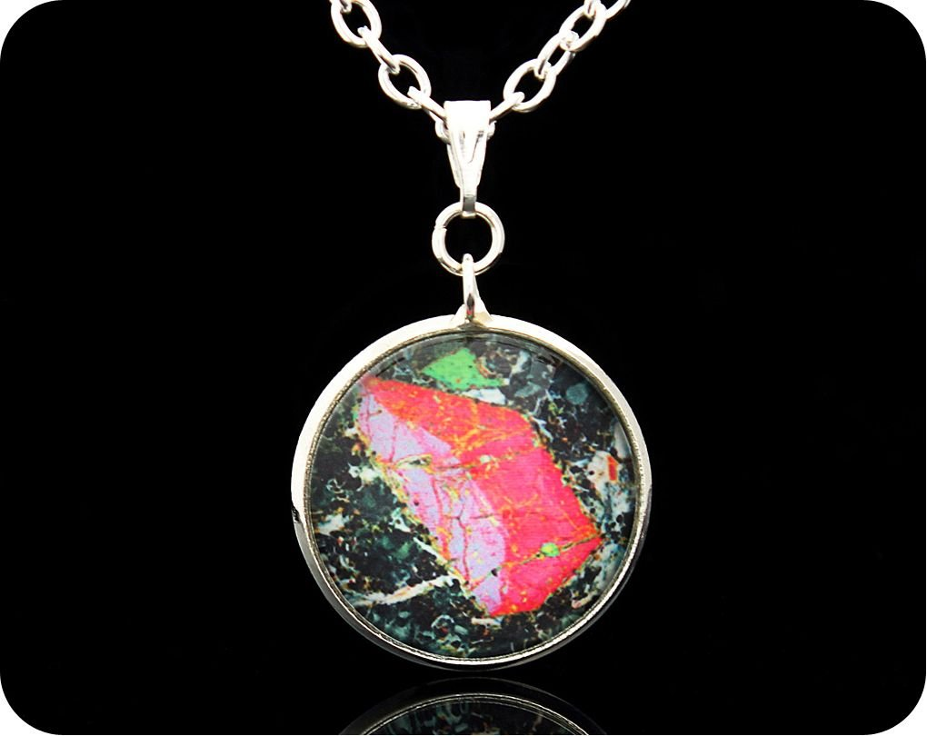 <!-- 00002 -->Pyroxene from Vesuvius, Italy rock thin section Pendant (P48)