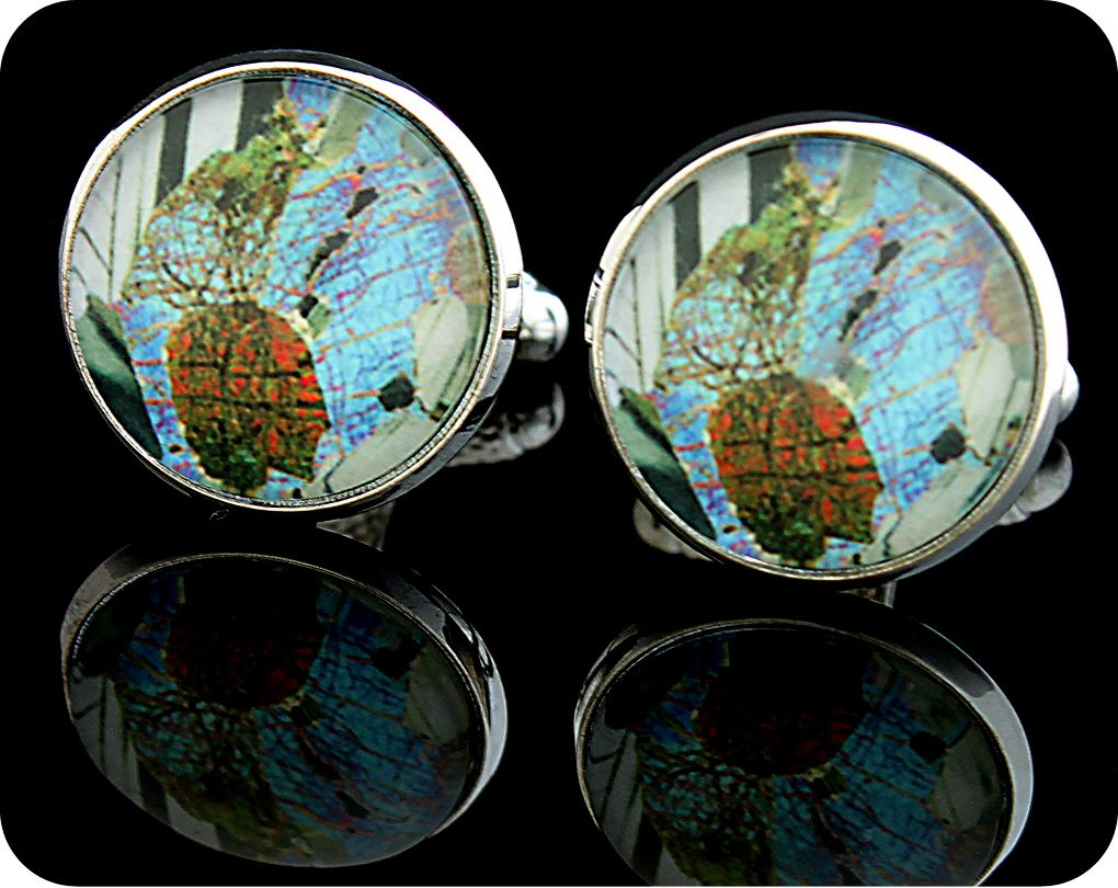 <!-- 00001 -->Gabbro from Huntly, Scotland rock thin section Cufflinks (CL4