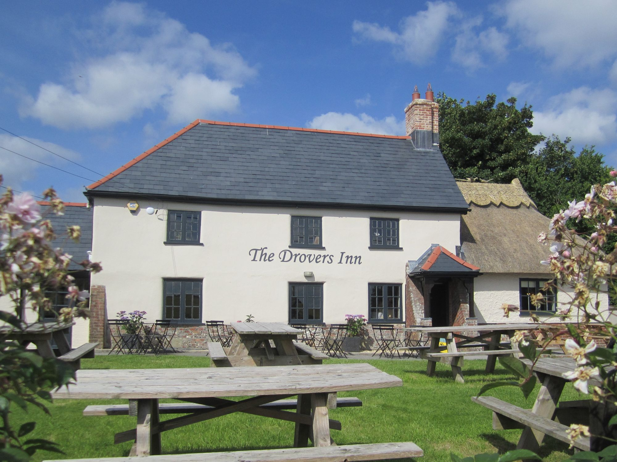 The Drovers Inn >> Gussage Community Benefit Society