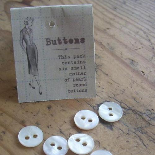 East of India 6 Mother of Pearl Buttons pack