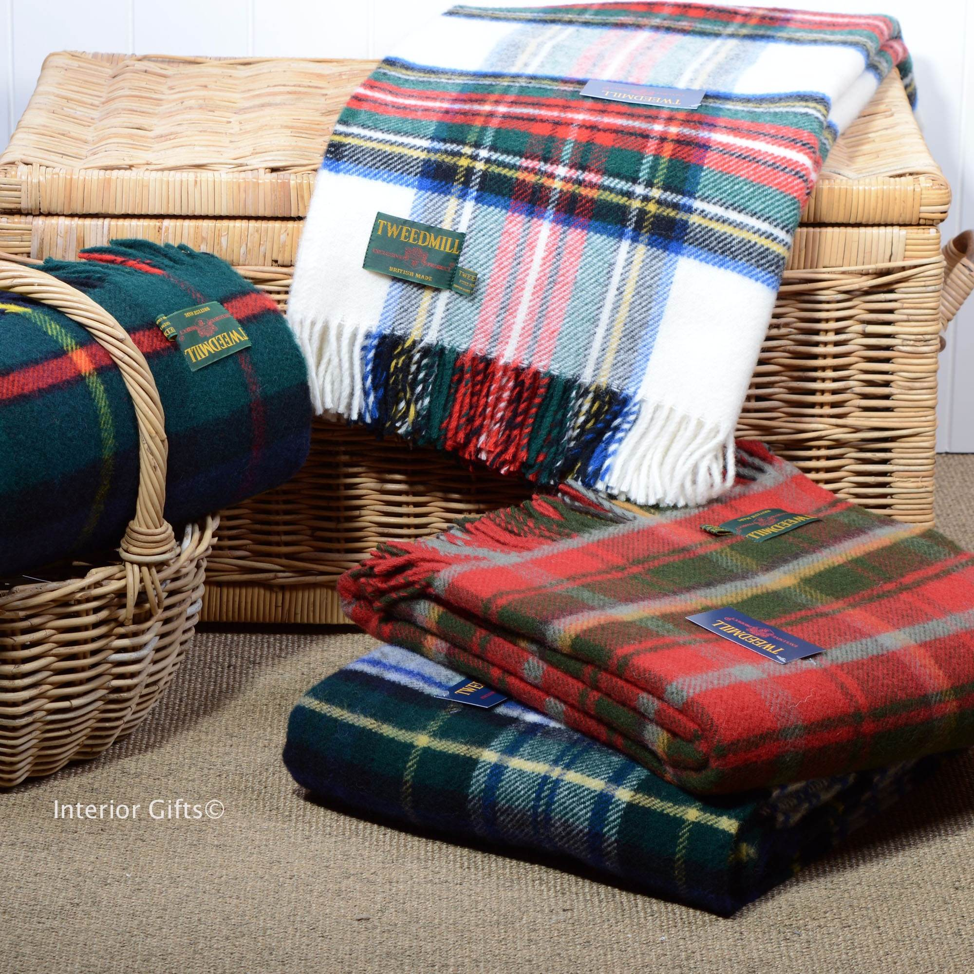 Traditional Scottish Tartan Wool Blankets & Throws