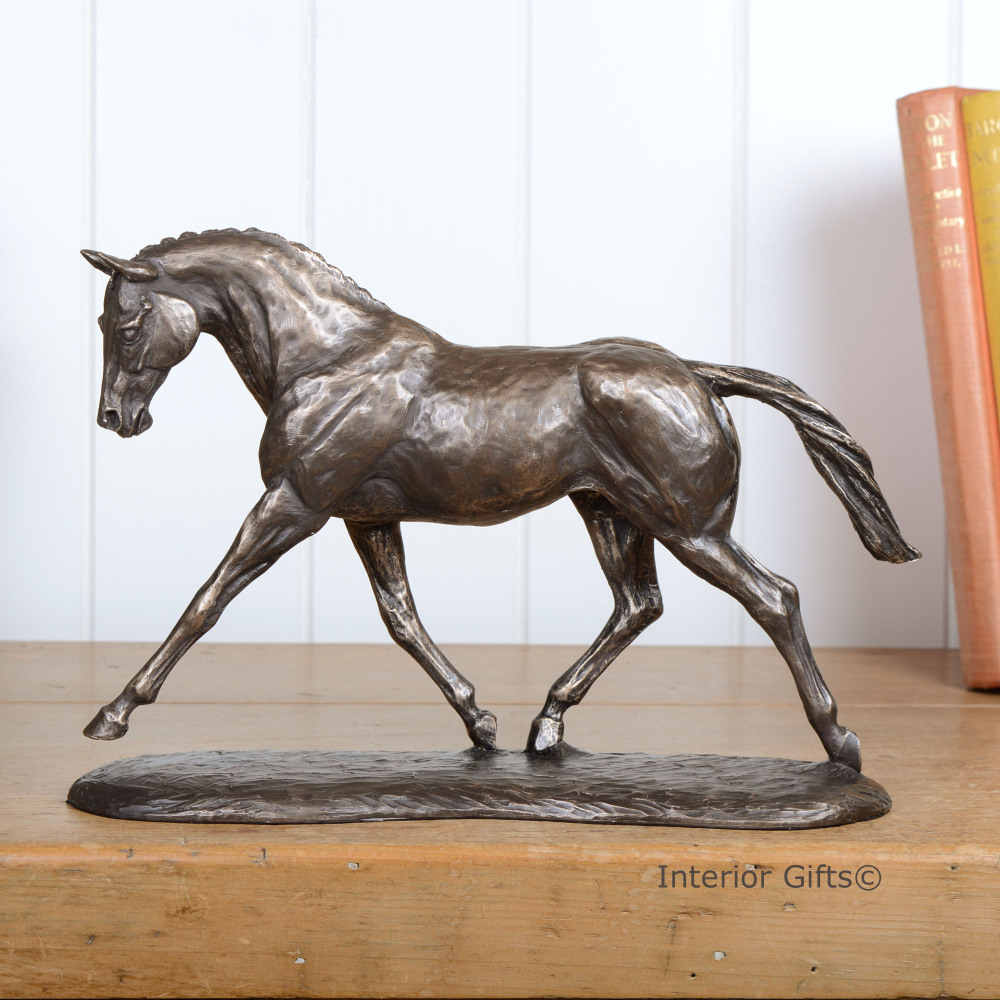 Bronze Sculpture of Beautiful Trotting Horse in Natural Self Carriage