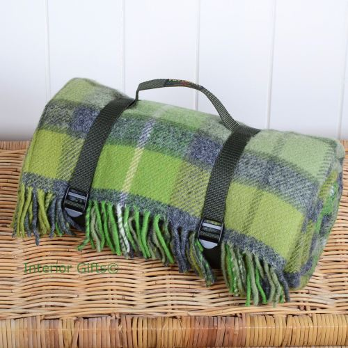 WATERPROOF Backed Wool Picnic Rug / Blanket in Classic Country Green Check