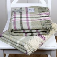 BRONTE by Moon Arncliffe Fern Green Check Throw in 100% Shetland Pure New Wool