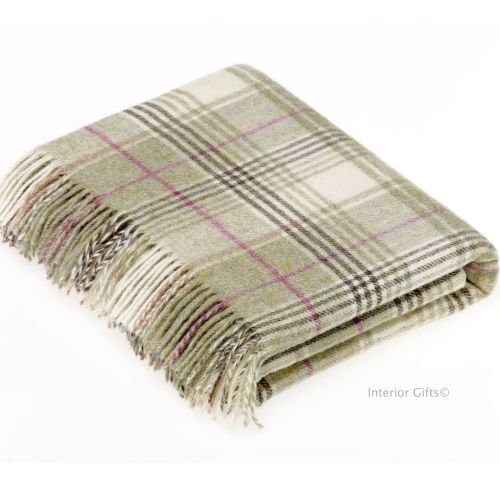 BRONTE by Moon Huntingtower Fern Green Check Throw in 100% Shetland Pure Ne