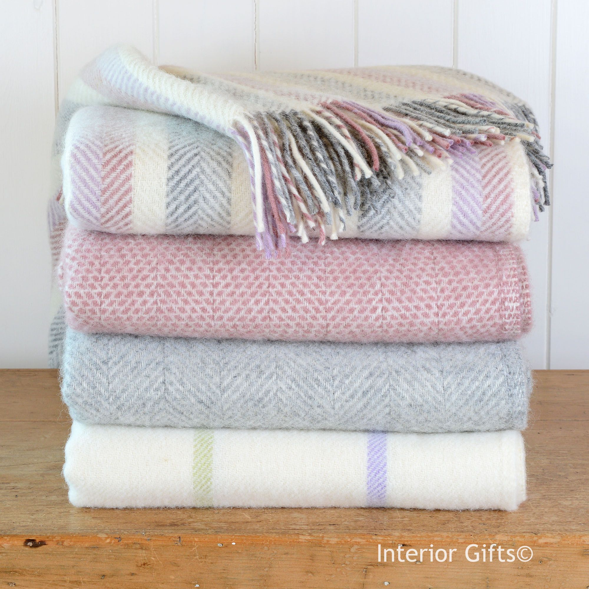 Wool Throws Pastel Colours