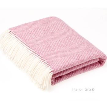 BRONTE by Moon Pale Pink & Cream Variegated Herringbone Throw in 100% Shetland Pure New Wool
