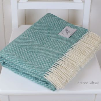 BRONTE by Moon Jade Green & Cream Variegated Herringbone Throw in 100% Shetland Pure New Wool