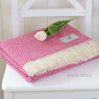 BRONTE by Moon Cerise Pink & Cream Variegated Herringbone Throw in 100% Shetland Pure New Wool