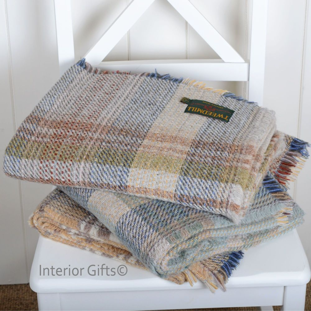Woollen Recycled Throw / Blanket / Picnic Rug in Light Beige and Blues