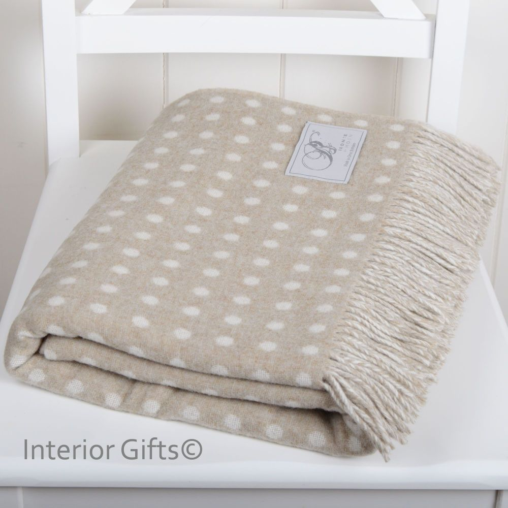 BRONTE by Moon Beige & Cream Classic Spot Throw in Supersoft Merino Lambswo