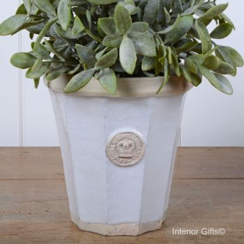 Kew Fluted Pot in Bone - Royal Botanic Gardens Plant Pot