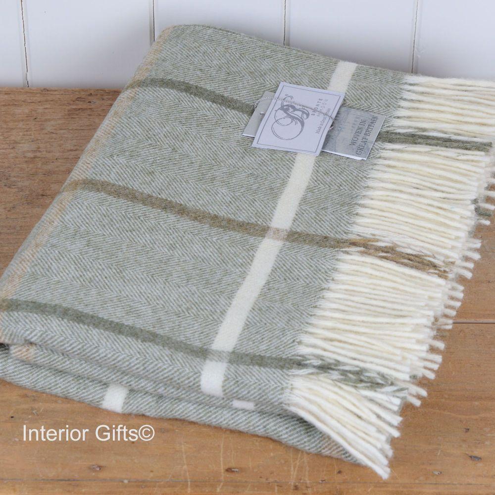 BRONTE by Moon Sage Green Windowpane Throw in 100% Shetland Pure New Wool